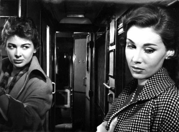 Clelia and Rosetta in Le Amiche